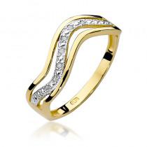 Urokliwy złoty pierścionek z diamentami ułożonymi w kształt fali