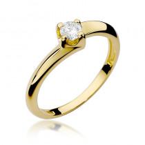Wyrafinowany złoty pierścionek zaręczynowy z okazałym brylantem
