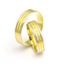 Złote obrączki ślubne z wysmakowanymi nacięciami