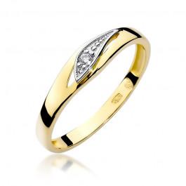 Śliczny złoty pierścionek z lśniącym diamentem